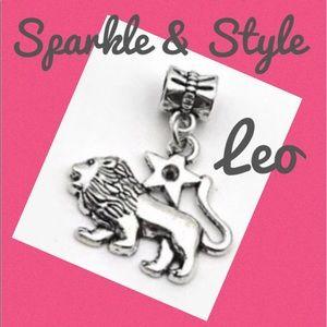✨ Leo zodiac bracelet charm ✨